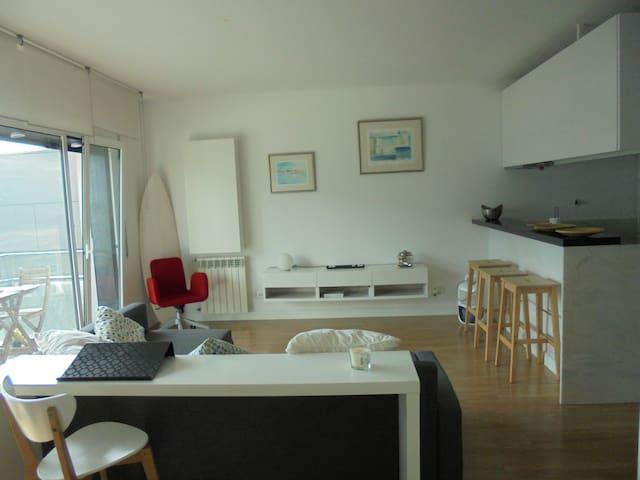 Studio flat next to Tejo river - Sacavém - 公寓