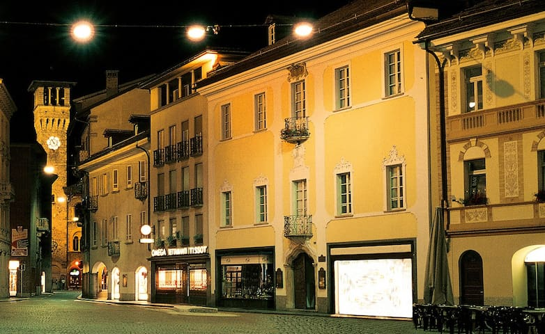 Bellinzona Piazza Collegiata - Bellinzona - Leilighet
