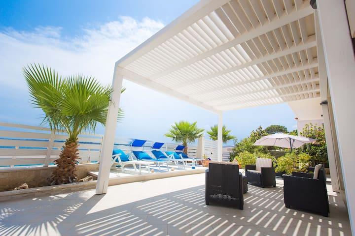 Dione Apt. in Villa Amateia in the sea, Syracuse - Punta Milocca - Appartement