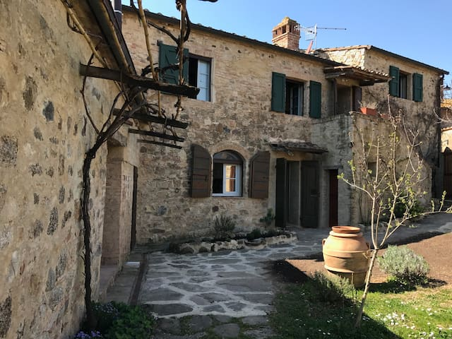 Historical with stunning views,real tuscan life - Murlo - Dom