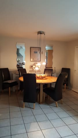 Cosy townhouse,perfectly located.6km from beach. - Skibbereen - Huis