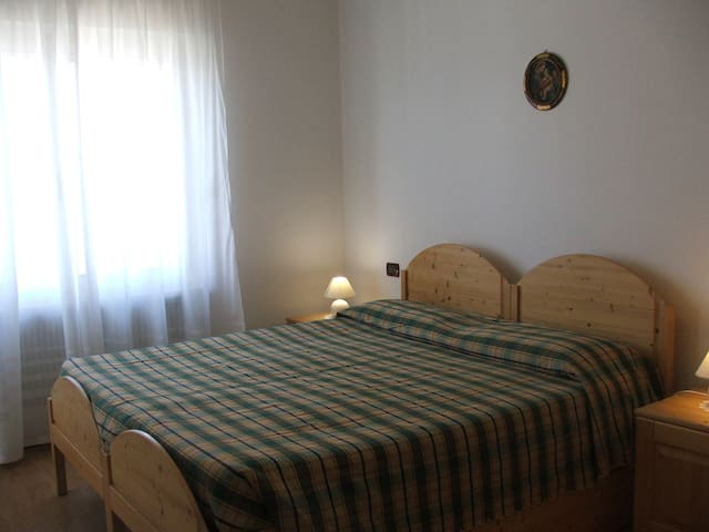 Room in agritourism3people - Smarano