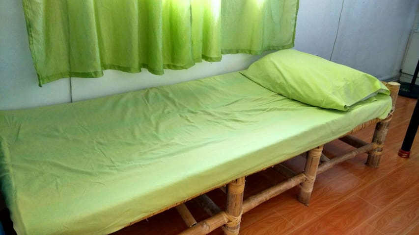 Backpackers Rm BedC Budget Friendly - Lucban - Byt