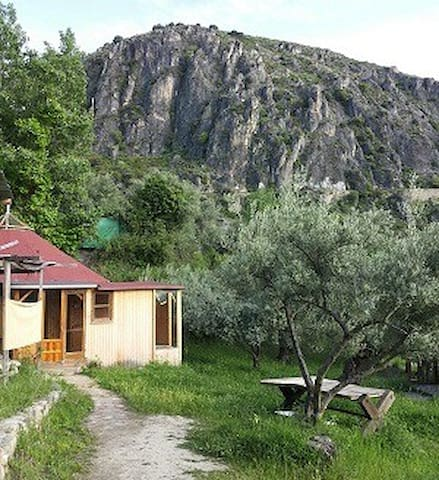 """Yurta en  Granada en """"Los Cahorros"""" - Monachil - Yurt"""