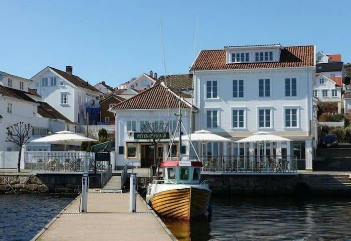 Oceanfront apartment in Risør - Risør