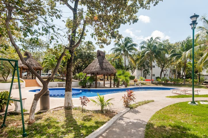 BEDROOM FOR 2 IN PRIVATE RESIDENCE DOWNTOWN CANCUN - Cancún - Daire