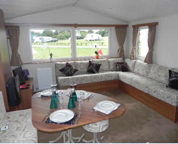 Lovely 3 Bed Caravan with Sea Veiw - Minster on Sea - Appartamento