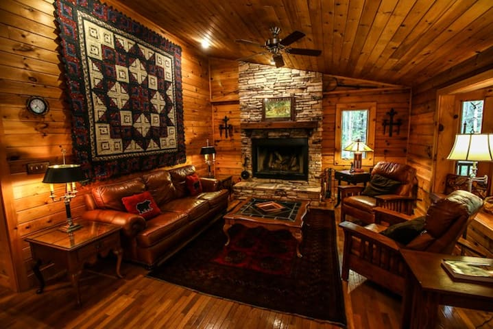 Rustic Log Cabin near Boone to enjoy the mountains - Sugar Grove - Cabaña