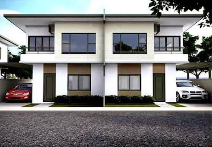LaCarti Room for RENT - Bedroom 3 - Mandaue City - Hus