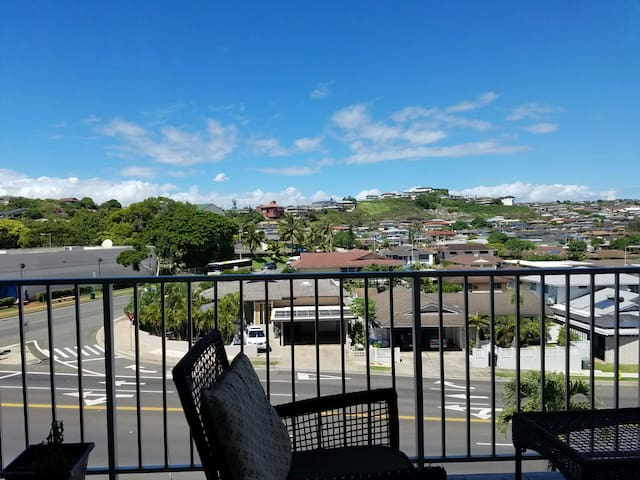 Best Value! Big 1 bed/1bath condo Remodeled&Light - Honolulu - Daire