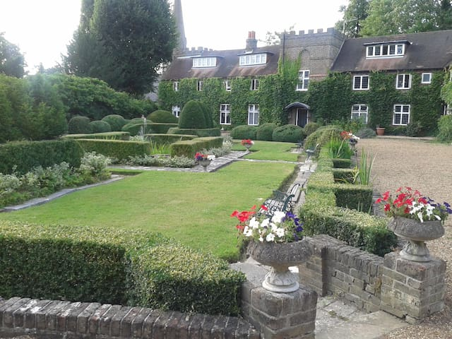 500-year-old Tudor secret - Feltham - Appartement