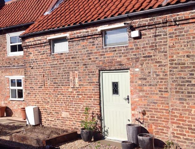 Ground floor annex in charming barn - Hemingbrough - Huis