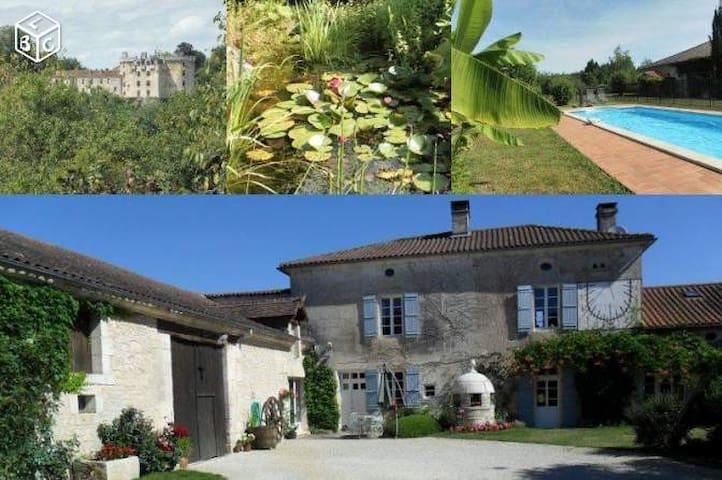 Gites Dordogne avec piscine - La Chapelle-Faucher - Rumah