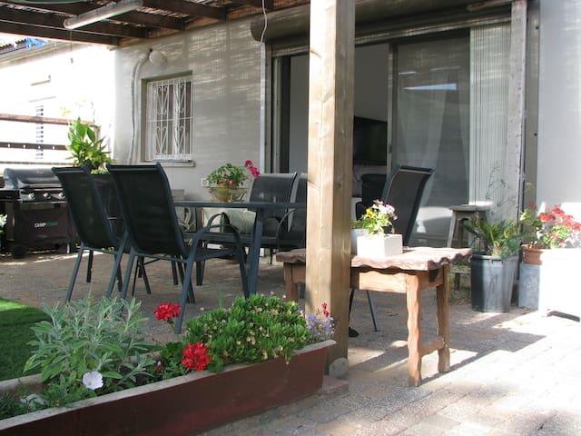 Beautiful garden house near the beach - Netanya - Casa