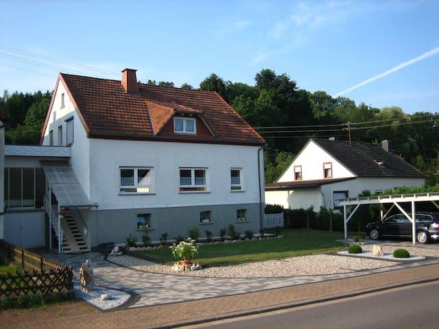 Schöne Ferienwohnung Nähe Bostalsee - Nonnweiler - Apartemen