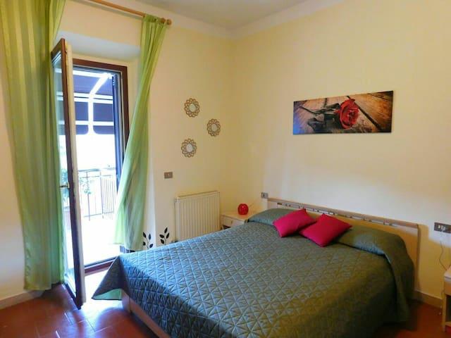 """Valle degli Etruschi B&B """"La Rosa"""" - Grilli - Bed & Breakfast"""