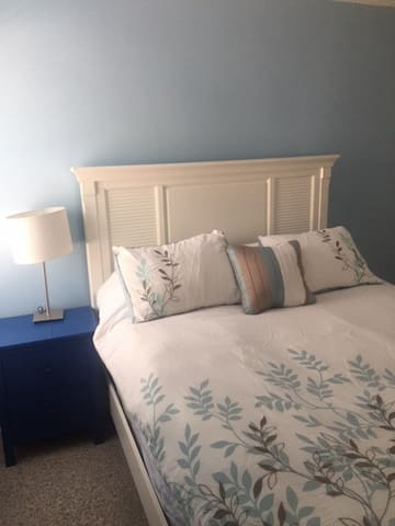 Cozy apartment in downtown Riverside - Greenwich - Leilighet