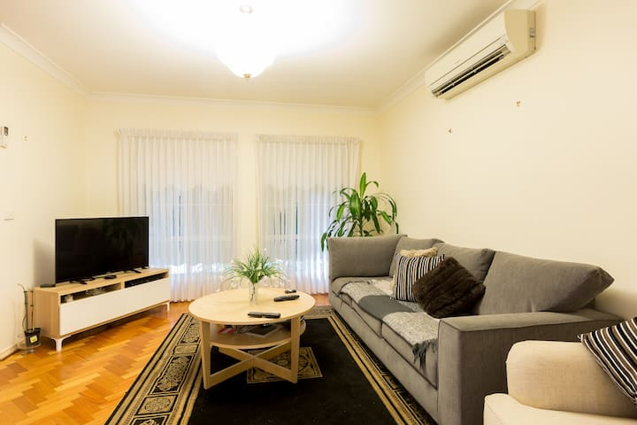 Cosy Apartment close to airport & Cbd - Glenroy - Διαμέρισμα