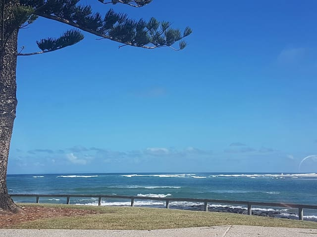 Holiday @ Happy Valley - Caloundra - Huoneisto