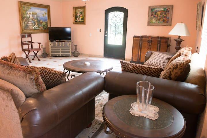 C4--Spanish Cottage Getaway - San Benito