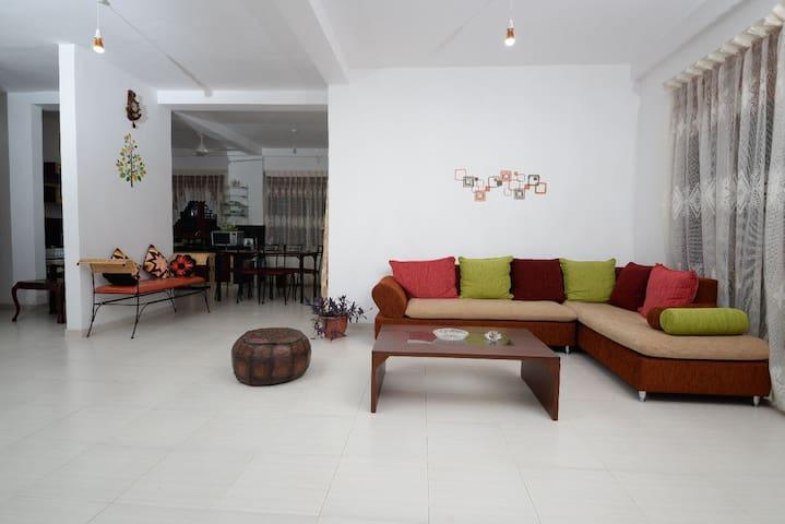Dwara BR 2 +Pvt Bath+Hot Water日本語可 - Colombo