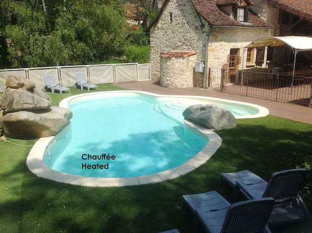 Character-filled 3* house with pool - Lissac et Mouret - Huis