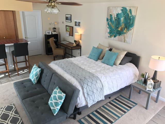 Upscale & Modern - Suite + Bathroom - Gallup - Huis