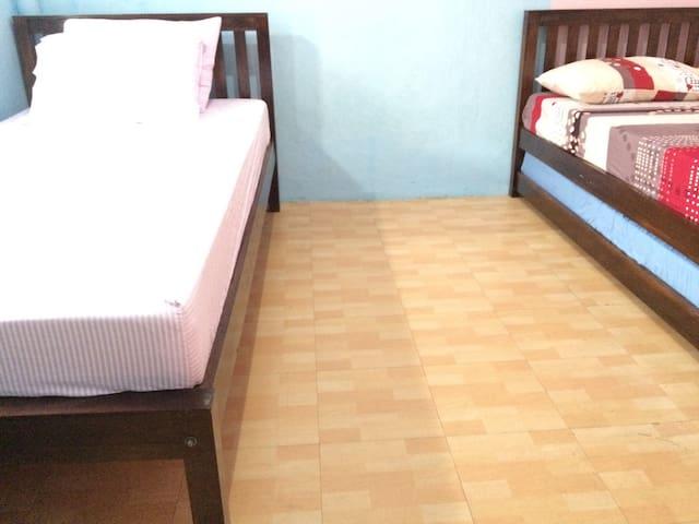 Twin Beds for Female (D) - East Jakarta - Dům