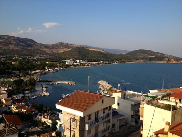Beautiful spacious flat with view of the beach! - Kavala - Departamento