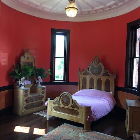 1896 Vict. Castle Room, 1st Floor. - Walton - Château