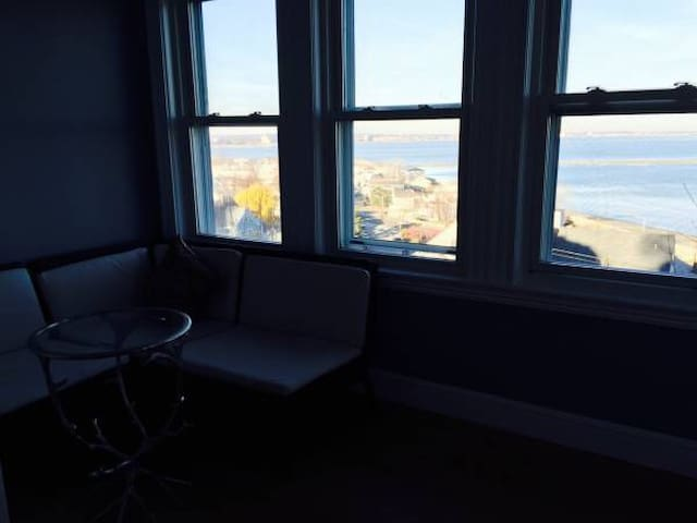 Cozy Oceanview close to downtown Boston/airport - Revere
