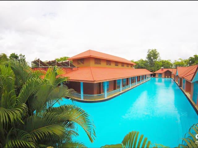 SAJ EARTH RESORT (5*) - Cochin - Angamaly - 家庭式旅館