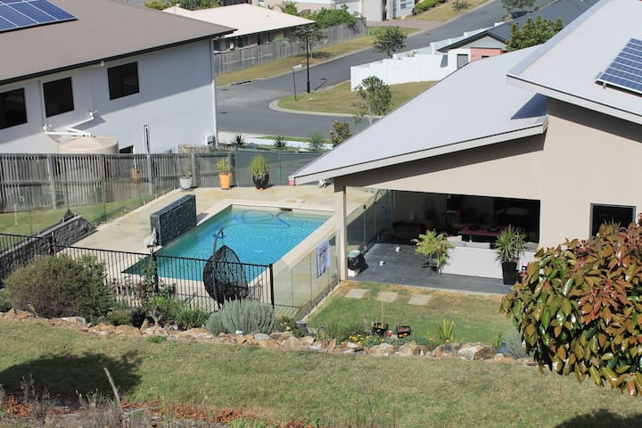 5 bedroom Luxury Home (Very Close to Theme Parks) - Upper Coomera - Casa