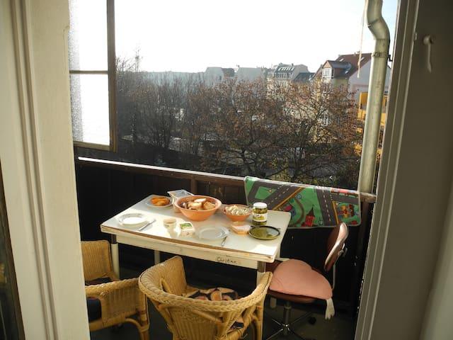 günstiges Zimmer im aufregendem Osten - Leipzig - Lägenhet