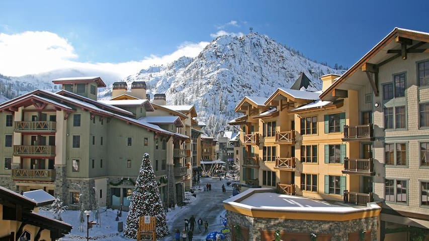 Squaw Valley Village 2br Condo, Mountain view - 奧運谷(Olympic Valley) - 公寓
