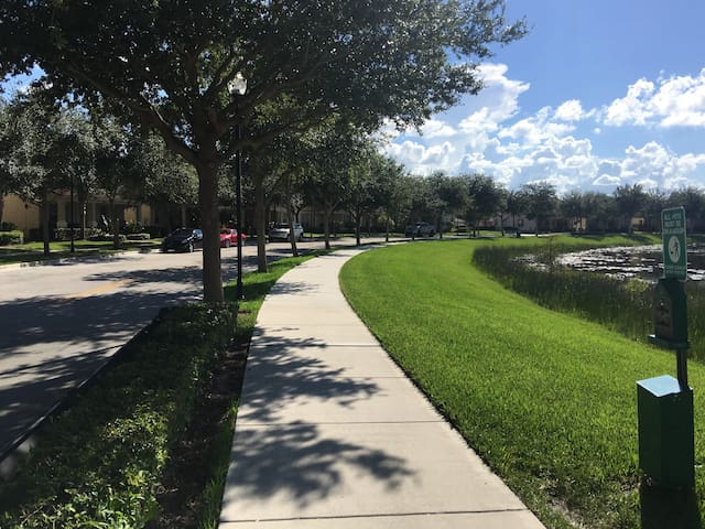 Cozy 1 bedroom with parking space! - Palm Beach Gardens - Ev