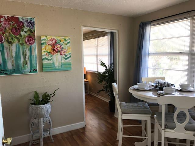 Clean Beach Home, FREE BOOGIE BOARDS - Daytona Beach - Bungalow