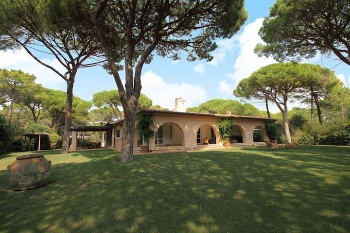 """Villa """"Le Ginestre"""" - Roccamare - Vila"""