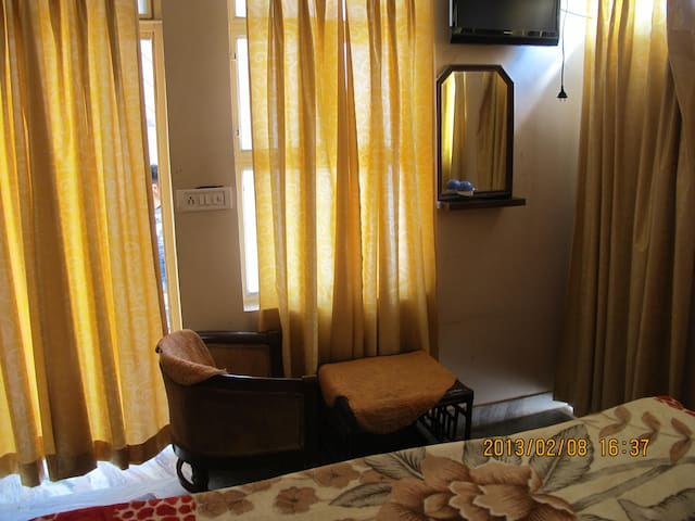 Home Stay With Standard Facilities - Agra - Appartement