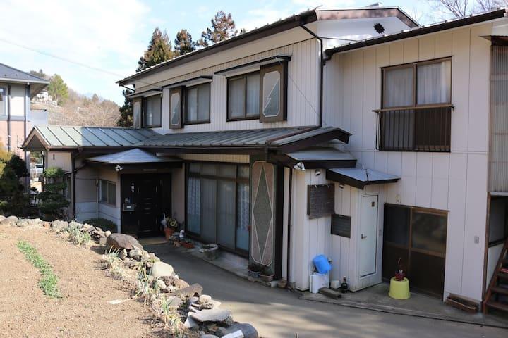 Near the Mt.Takao and 1 hour from the Mt.Fuji. - Uenohara