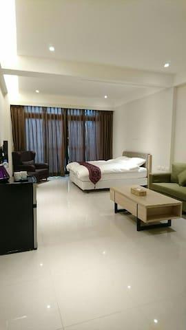 精致雙人房(一張標準雙人床) - 羅東鎮 - Apartament