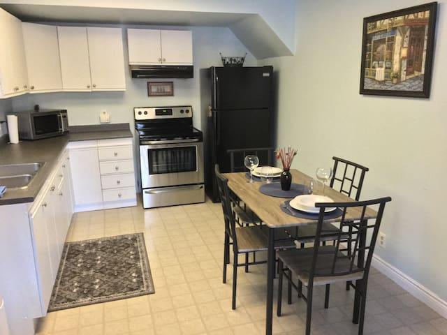 2 bdrm, waterfront, with kitchen - Huntsville - Apartemen