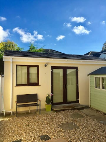 Self contained, Own Private Entrance, Tranquil - Dublin