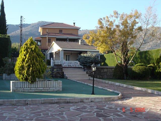 Spaanse cultuur - Becerril de la Sierra - 別荘