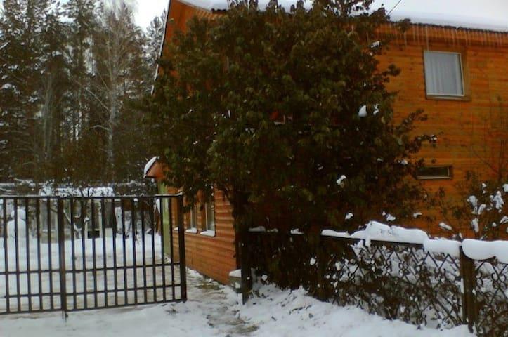Дом в Тюмени посуточно - Tyumen'