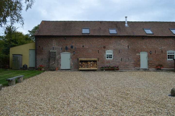 Luxury self catering barn 4 persons - Ashbourne - Huis