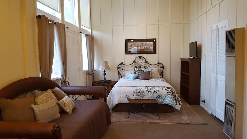 Suite 7 - June Lake