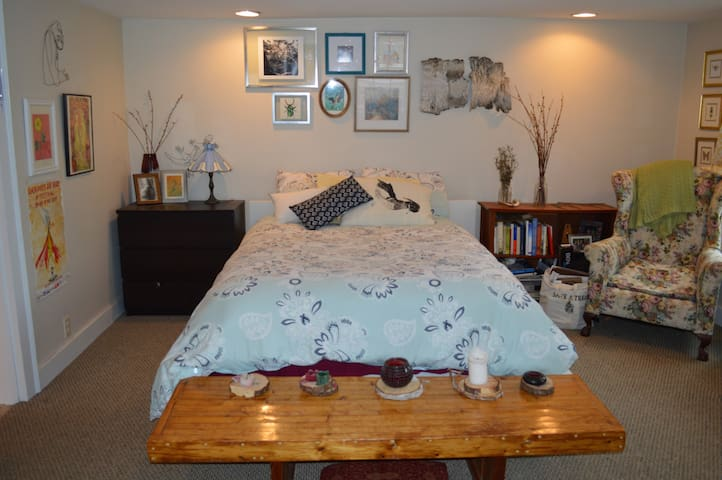 Bright and cozy studio apartment - Exeter