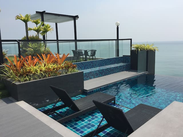 Luxury Living@River-Beach condo - Noen Phra - Daire