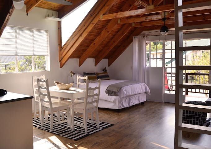 Loft style studio in country garden setting. - Roodepoort